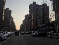 商业部推荐:年租金4.5万 现在空置 能停车 大门脸 对面小区门口