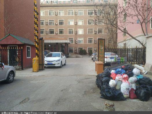 房主诚心出售 市府广场旁 临地铁 看房方便