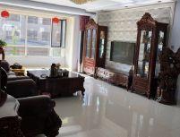 燕南豪庭 168平 南北 3室2厅2卫  高级装修